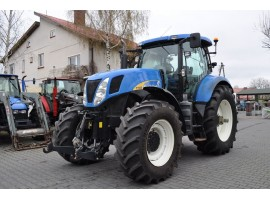 Трактор New Holland T 7030